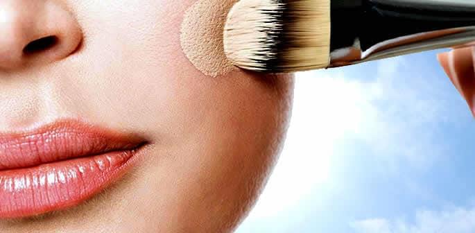 Choosing the Best Makeup to Wear in the Heat f