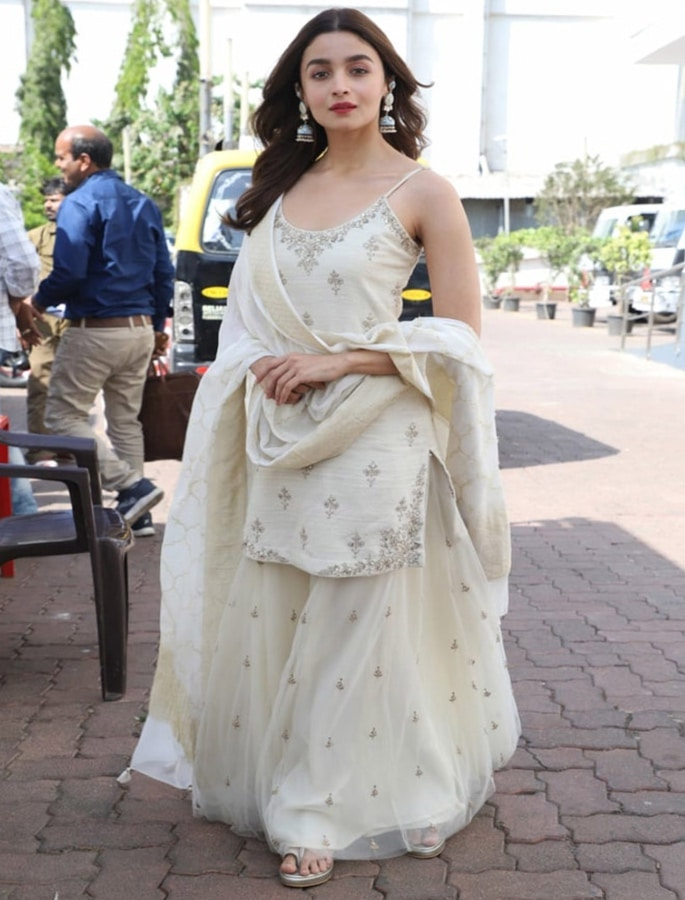Top 10 Fashion Looks of Alia Bhatt - kalank