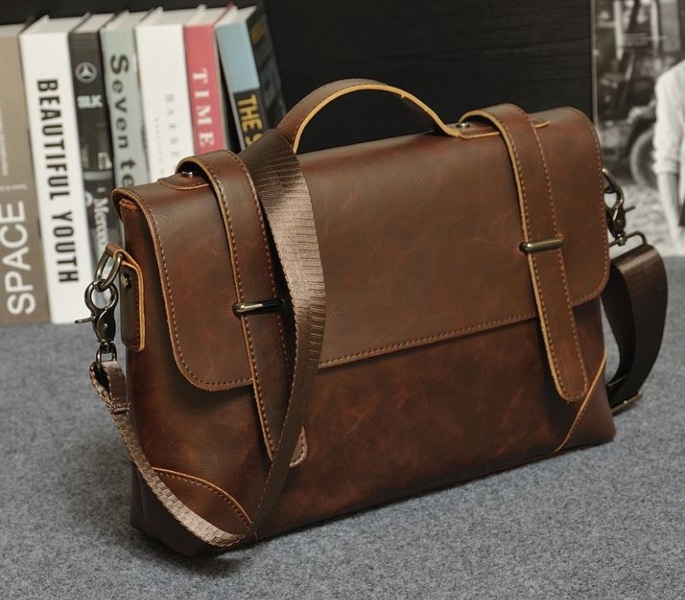 Top 7 Man Bags which are Stylish and Practical - messenger bag