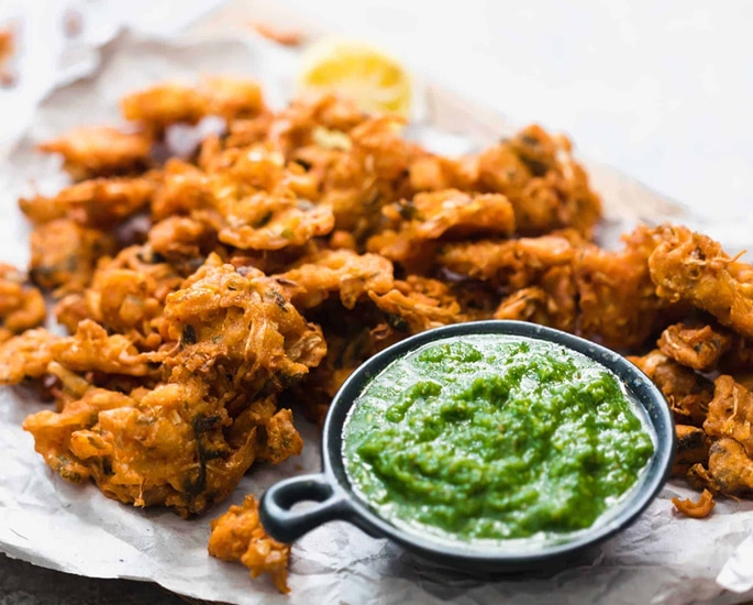 12 Delhi Street Foods which are Popular - pakora