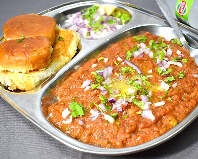 12 Delhi Street Foods which are Popular - pav