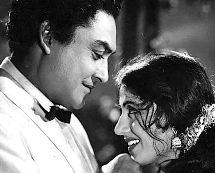 20 Black and White Bollywood Films you Must Watch - Mahal