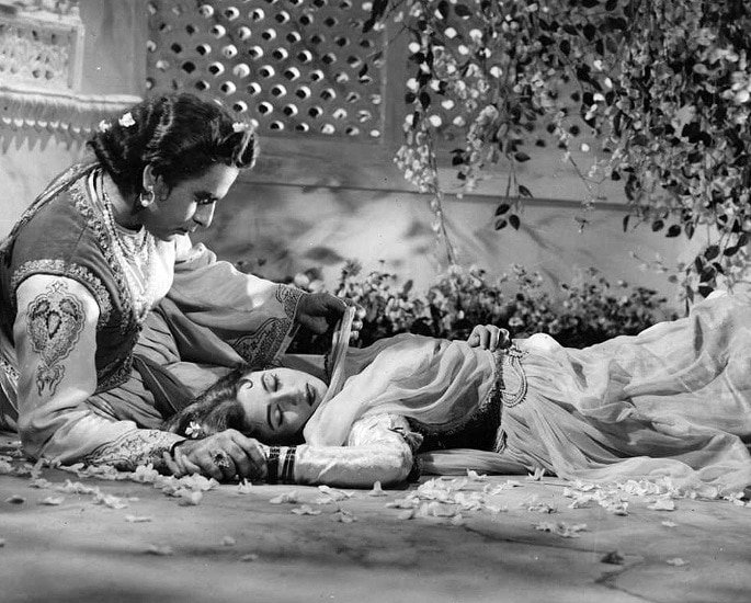 20 Black and White Bollywood Films you Must Watch - Mughal-e-Azam 1