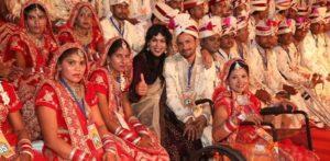 ৫১ জন ভারতীয় দম্পতি গণ-অনুষ্ঠানতে বিবাহিত হয়েছেন চ
