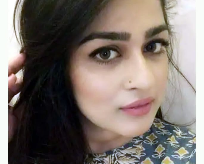 Beauty Blogger Amna Atiq abused in Marriage commits Suicide - Amna