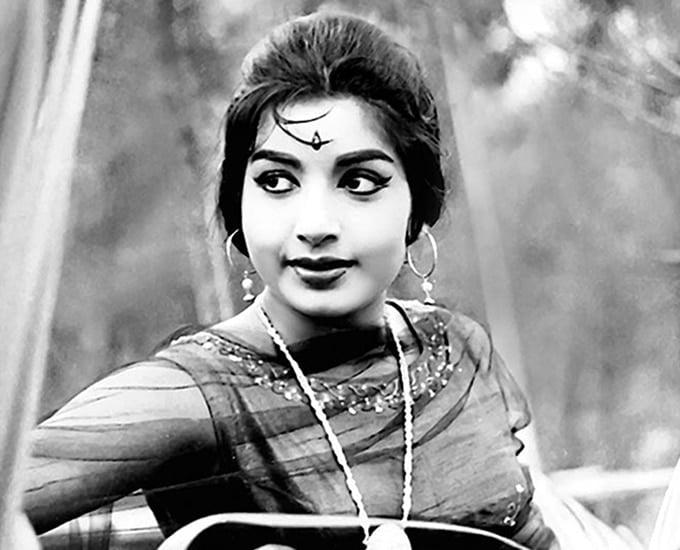 Kangana Ranaut to perform Bharatanatyam in Jayalalithaa biopic - Jayalalithaa