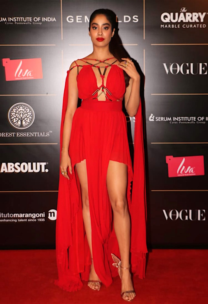 Best Dressed Stars at Vogue Women Of The Year 2019 - janhvi