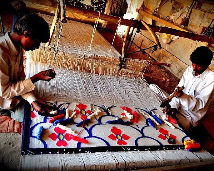 Famous Traditional Crafts of Rajasthan in India - Dhurrie