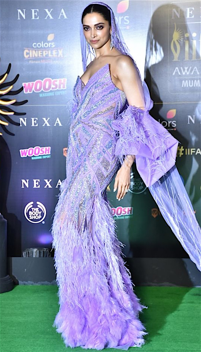 Is Deepika Frustrated with Comments about her Fashion? - iifa 2019