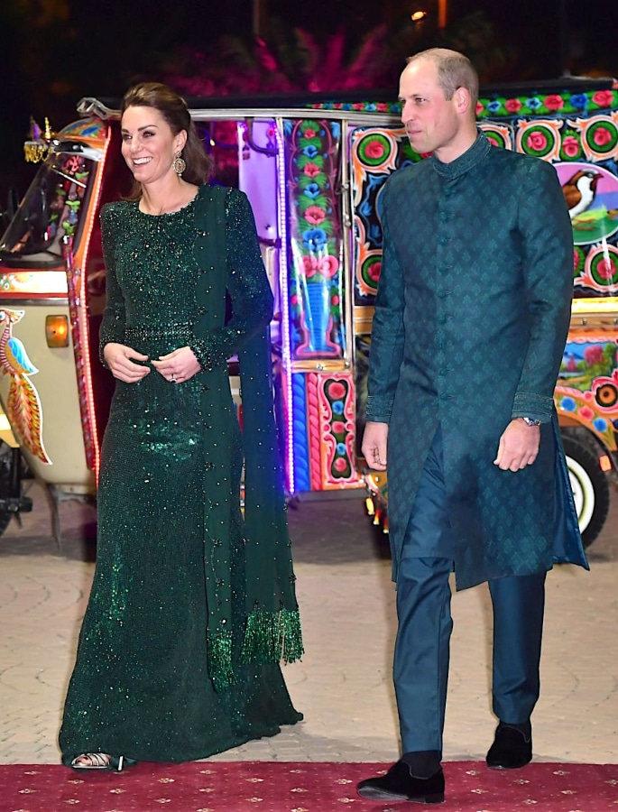 Kate Middleton stuns in Ethnic Outfits for Pakistan Visit - p3