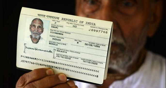 'Oldest' Indian Man shocks Airport Staff with Passport - passport