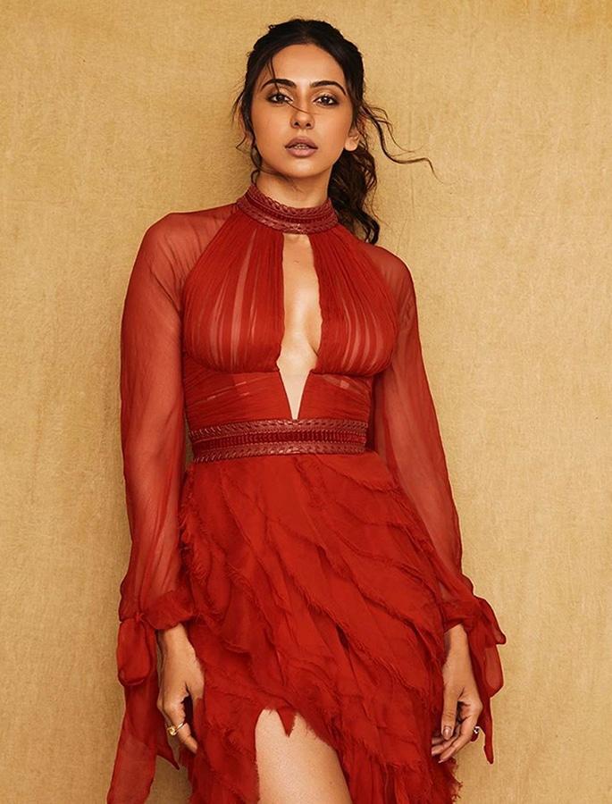 Rakul Preet stuns in a Gorgeous Red Luxurious Gown - p1
