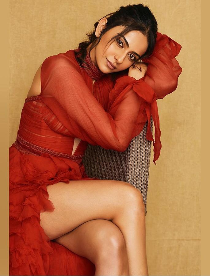 Rakul Preet stuns in a Gorgeous Red Luxurious Gown - p4