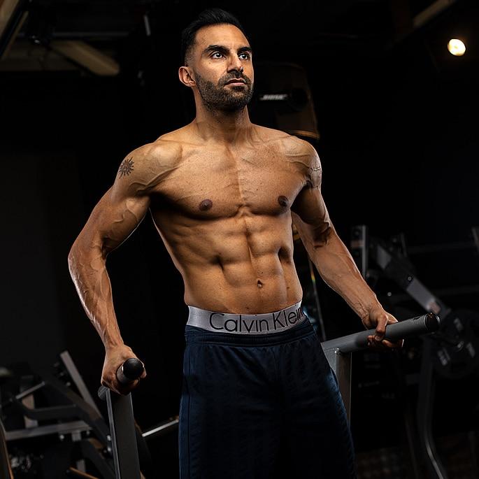 Perte de poids incroyable et transformation de Suraj Sodha - Q9