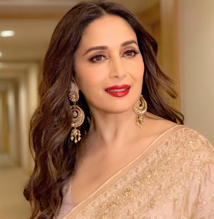 10 Bollywood Actresses' Inspired Makeup Looks - madhuri