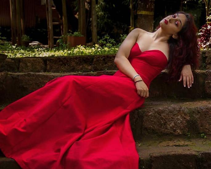 Aamir Khan's daughter Ira Khan 'Nagin' to 'Bhoot' Photos - dress