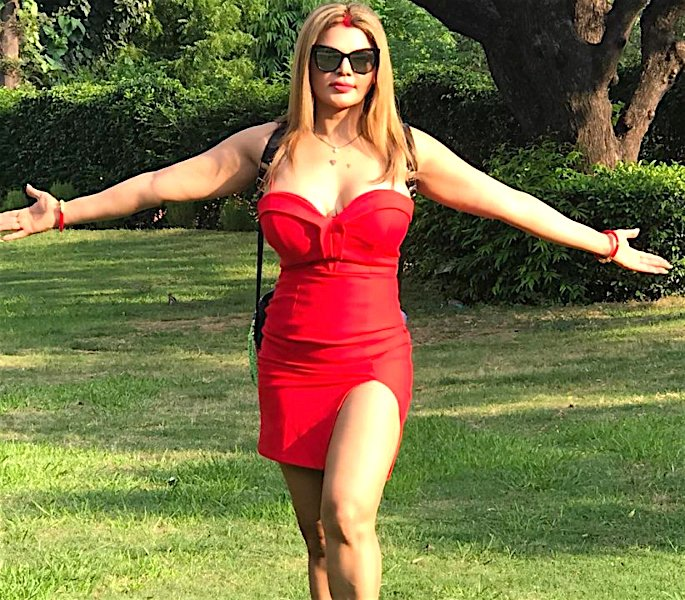 Rakhi Sawant says Husband was a 'Virgin' when They Married - red 2