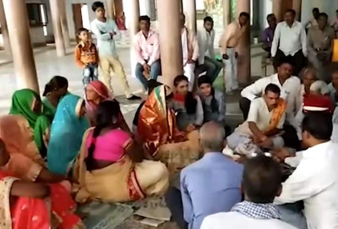 Young Indian Couple get Married against Family Approval - ceremony