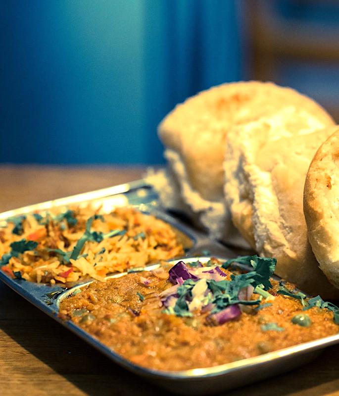 यूके-ia10 में शीर्ष 8 भारतीय स्ट्रीट फूड भोजनालय