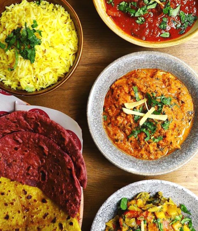 यूके-ia10 के शीर्ष 2 भारतीय स्ट्रीट फूड खाने वाले
