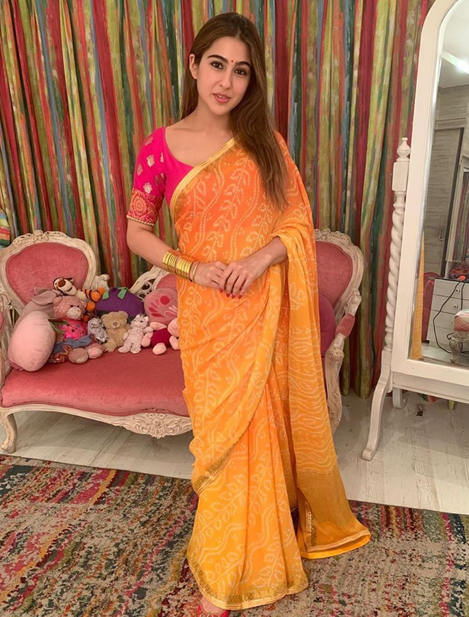 10 Looks of Sara Ali Khan for Ultimate Fashion Goals - 3