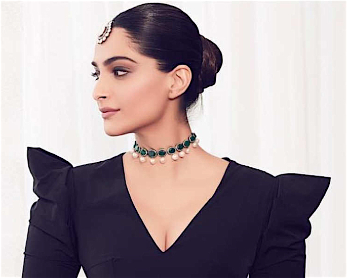 7 Hairstyles of Bollywood Actresses for a Stylish Look - sonam