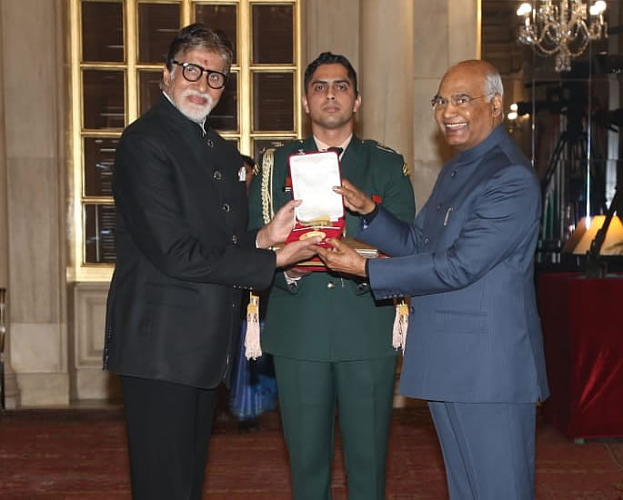 Amitabh Bachchan receives the Dadasaheb Phalke Award - award