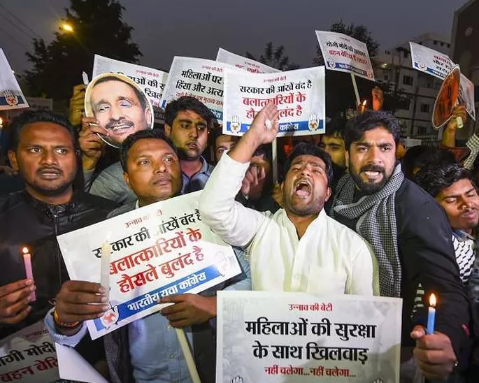 Angry Protests erupt for Unnao Rape Victim who Died - protest