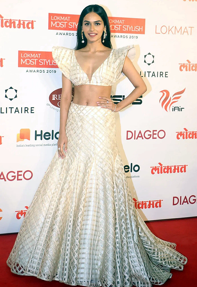 Bollywood Oozes Ethnicity at Lokmat Most Stylish Awards - Manushi Chhillar
