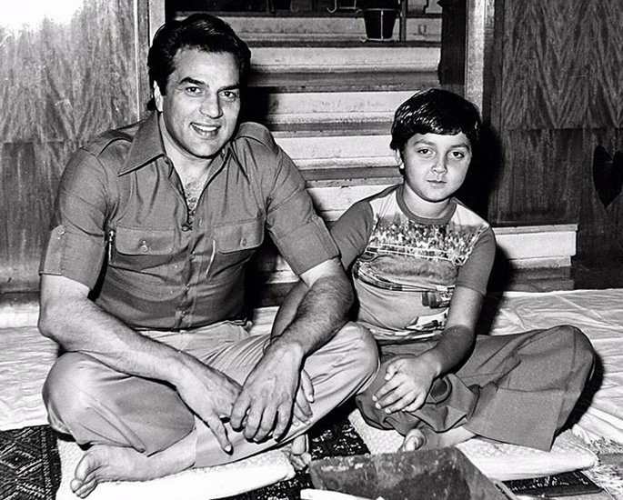Dharmendra turns 84 with many Heartwarming Messages - Bobby Deol