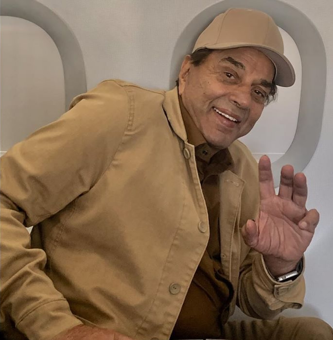 Dharmendra turns 84 with many Heartwarming Messages - plane