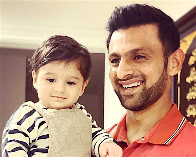 How Did Sania Mirza really meet Shoaib Malik? - father_son