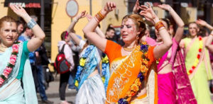 कैसे भारतीय संस्कृति प्रभाव वैश्विक रुझान एफ