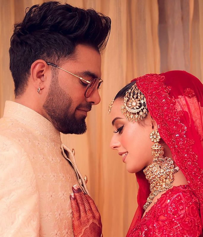 Iqra Aziz & Yasir Hussain get Married in Wonderful Ceremony - couple