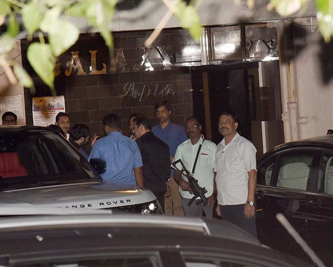 Salman Khan received a Bomb Threat at his Galaxy Apartment - security