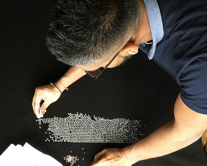 سان بی نے سورووسکی کرسٹلز ، آرٹ ورک ، شبیہیں اور چیریٹی - IA 3 سے بات کی ہے