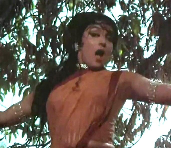 12 Best Bollywood Dances by Hema Malini - Naya Zamana