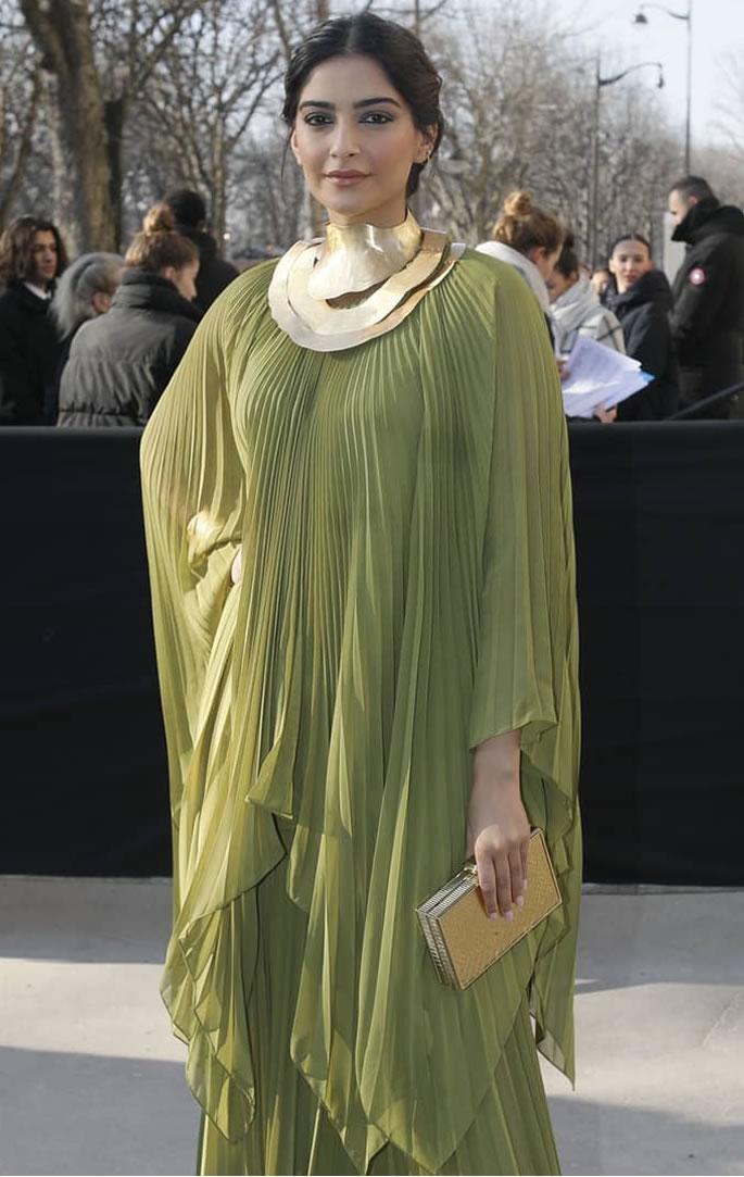 5 Lush Looks of Sonam Kapoor at Paris Fashion Week - green