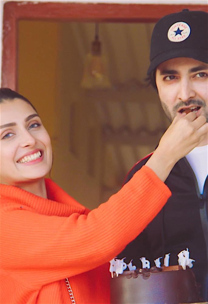 Actress Ayeza Khan shares Fond Memories from 2019 - cake