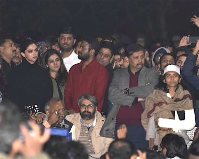 Deepika Padukone shows Support for JNU Assault Victims - protest