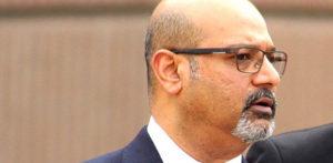 Doctor sentenced for Groping Nurses in front of Patients f