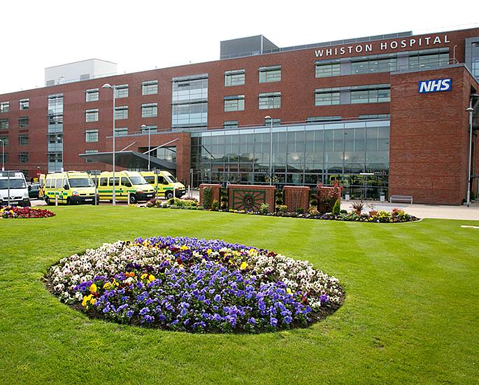 Doctor sentenced for Groping Nurses in front of Patients