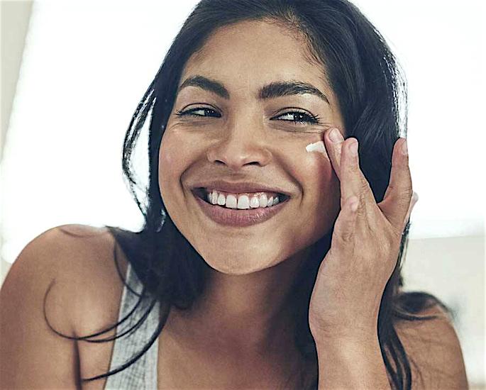 How to achieve Clear Skin All Year Round - moisturiser
