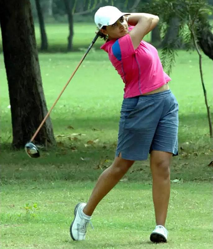 भारतीय गोल्फर इरिना बराड़ ने पति पर घरेलू हिंसा का आरोप लगाया - गोल्फ