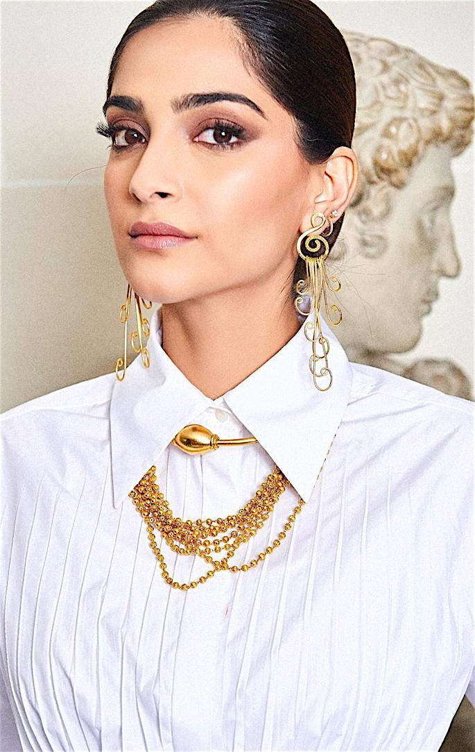 Lush Looks of Sonam Kapoor at Paris Fashion Week - white 2