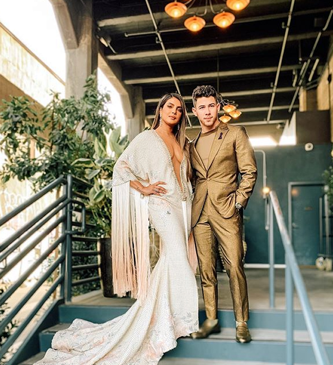 प्रियंका चोप्राला ट्रालर्ड ओव्हर ग्रॅमी 2020 ड्रेस मिळेल