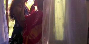 """Due donne indiane vogliono vivere come """"marito e moglie"""" f"""