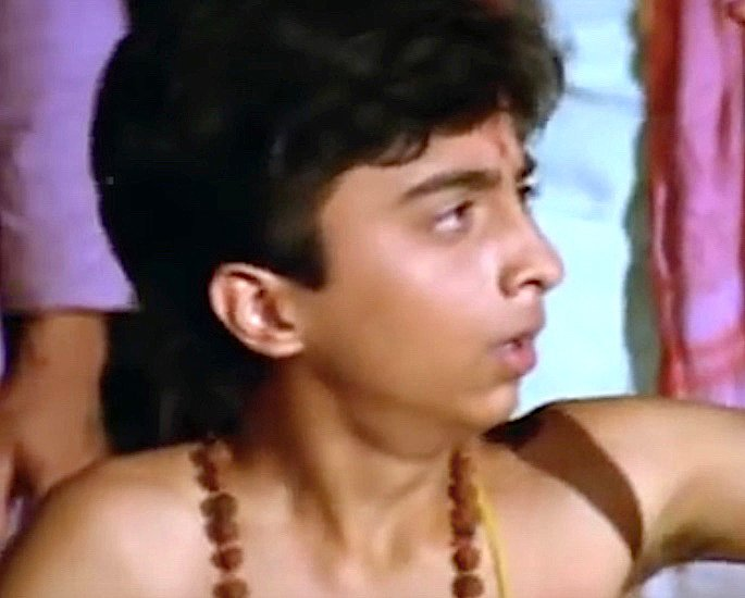 Which Child Stars Played a Young Amitabh Bachchan? - Master Raju
