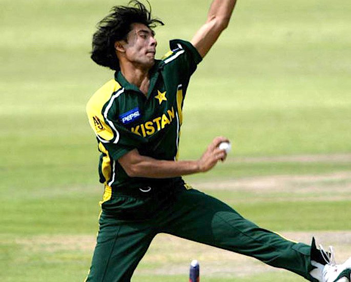 Which Pakistani Cricketer has a Hat-Trick in all 3 formats? - IA 1