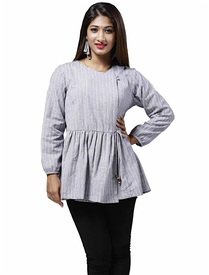 20 Stylish Kurtis to Wear with Jeans - 9